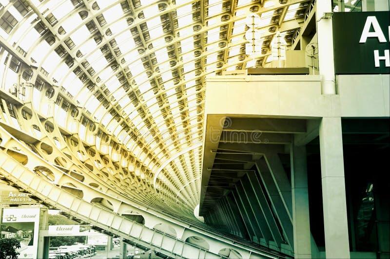 O sal?o de exposi??o o maior do mundo, constru??o, centro de exposi??o internacional de Guangzhou Pazhou foto de stock