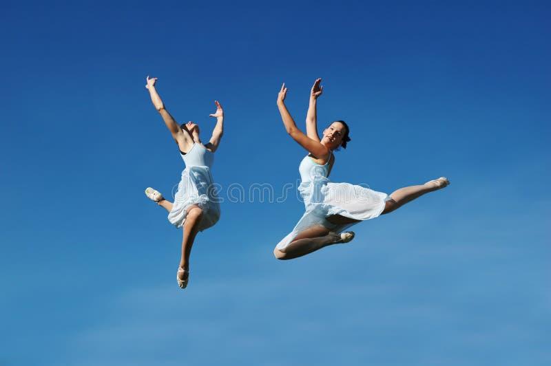O salto das bailarinas fotos de stock
