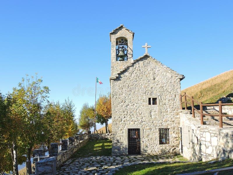 O santuário da família santamente de Nazareth, é colocado na montanha de Linzone imagens de stock