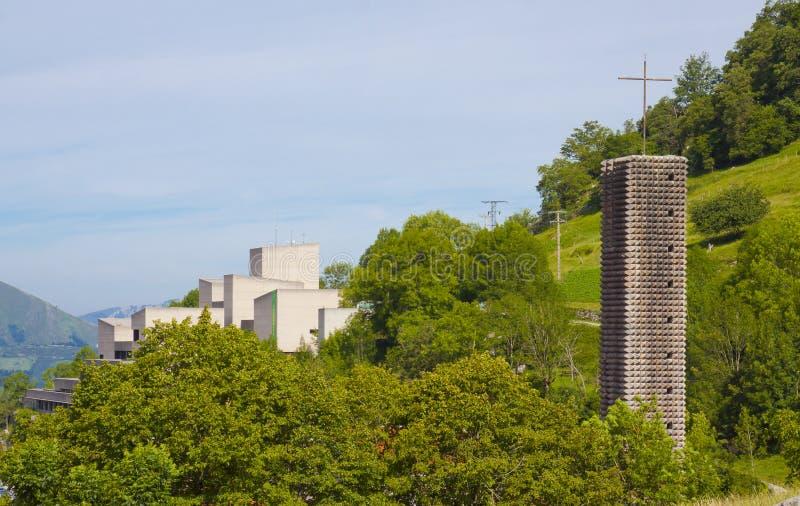 O santuário de Arantzazu é um santuário Franciscan situado em Oñati, país Basque imagem de stock royalty free
