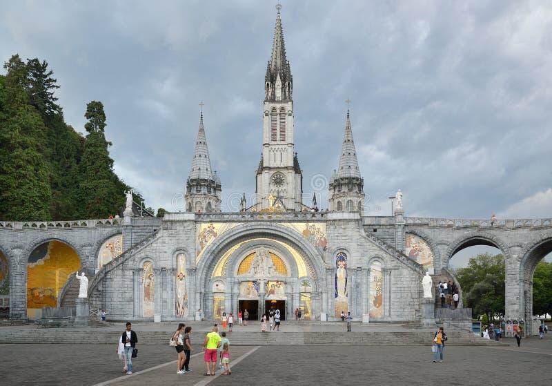 O santuário de nossa senhora de Lourdes imagens de stock royalty free
