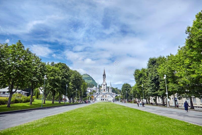O Santuário de Nossa Senhora de Lourdes ou do Domínio Basilique de Notre-Dame de l'Immaculée-Conception de Lourdes imagens de stock royalty free