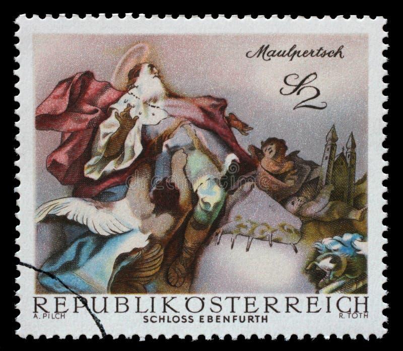O selo impresso na Áustria mostra St Leopold Carried no céu, por Maulpertsch, fresco barroco, capela do castelo de Ebenfurth imagem de stock