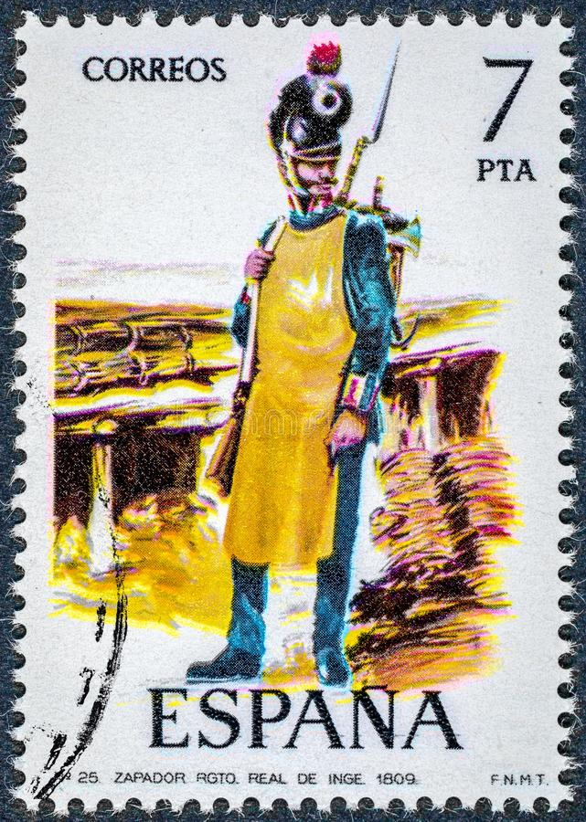 O selo impresso na Espanha mostra o Sapper Royal Regiment dos coordenadores 1809 fotografia de stock royalty free
