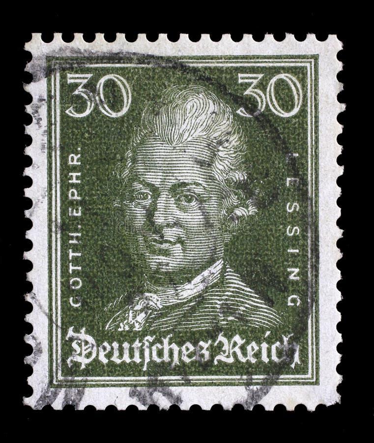 O selo impresso no Reich alemão mostra a imagem de Gotthold Ephraim Lessing foto de stock royalty free