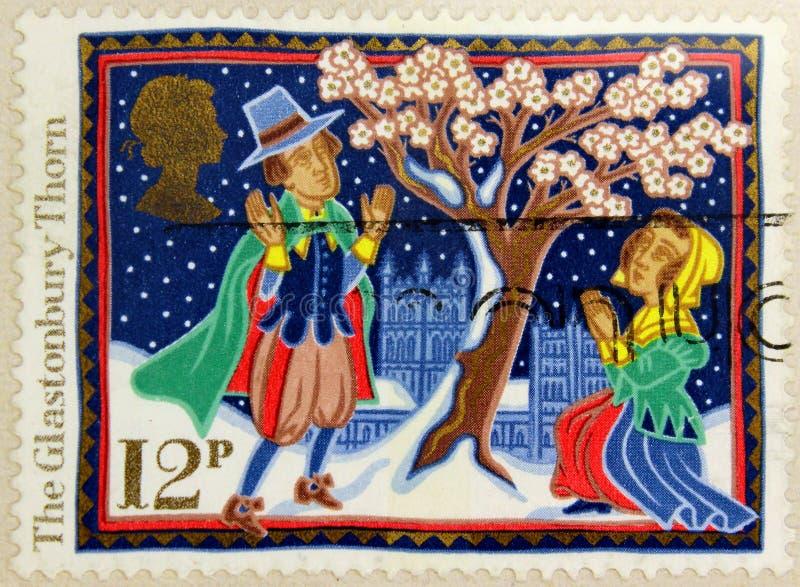 O selo postal de Reino Unido mostra o espinho de Glastonbury imagem de stock royalty free