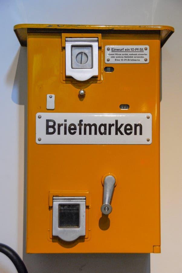 O selo velho automatiza Briefmarken fotografia de stock