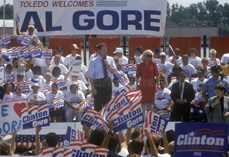 O senador Al Gore fala em Ohio durante a excursão 1992 da campanha de Clinton/Gore Buscapade em Toledo, Ohio fotos de stock royalty free