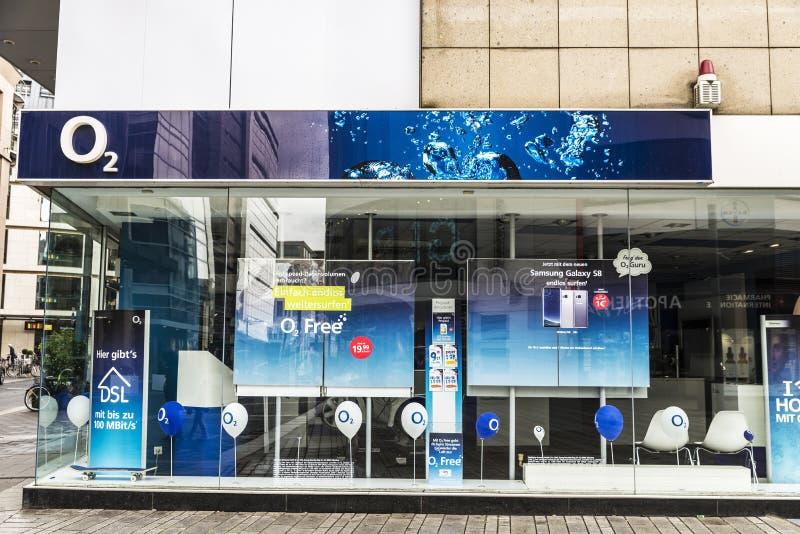 O2 shoppar i Dusseldorf, Tyskland arkivbild