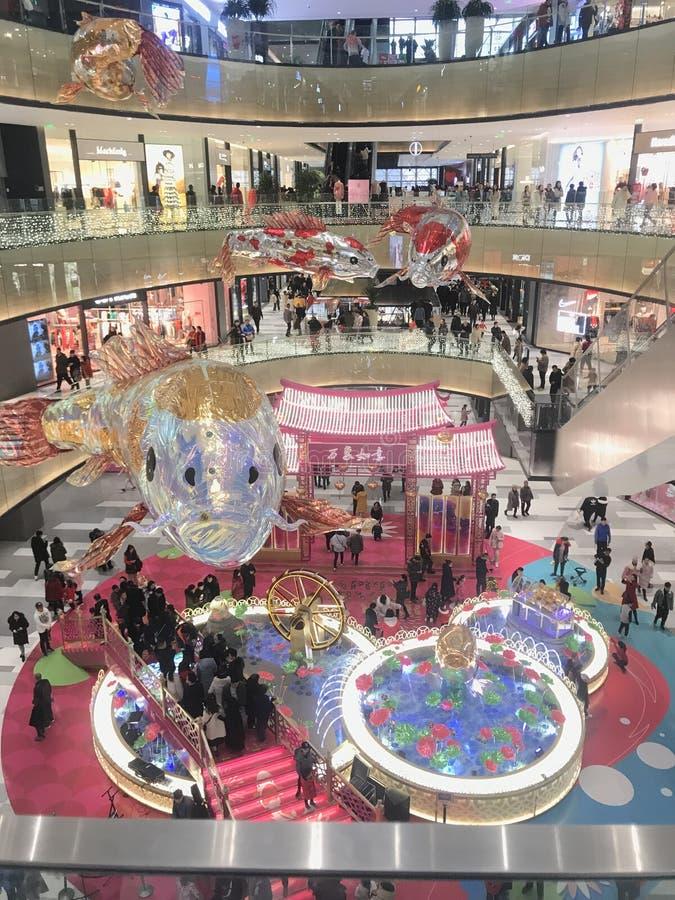 O shopping o maior em China norte é abarrotado e aglomerado imagens de stock