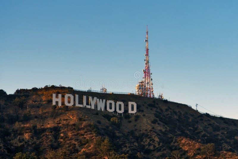 O sinal de Hollywood no por do sol foto de stock
