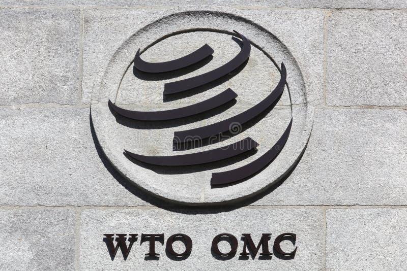 O sinal de Organização Mundial de Comércio em uma parede imagens de stock