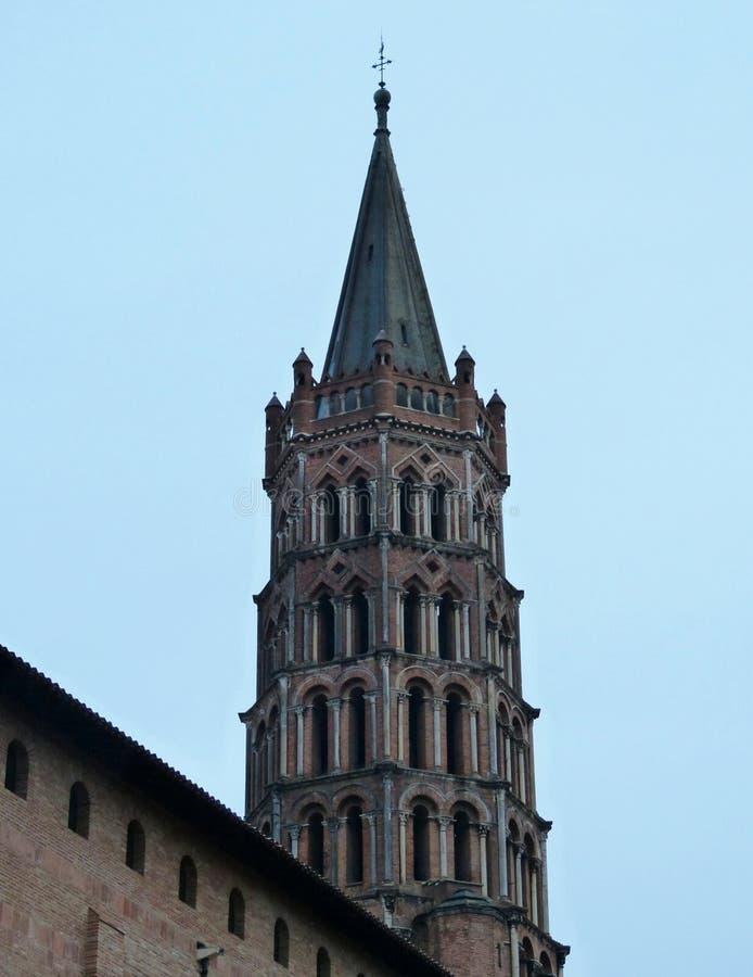 O sino da torre de Toulouse, igreja de Sanint Sernin, França fotografia de stock