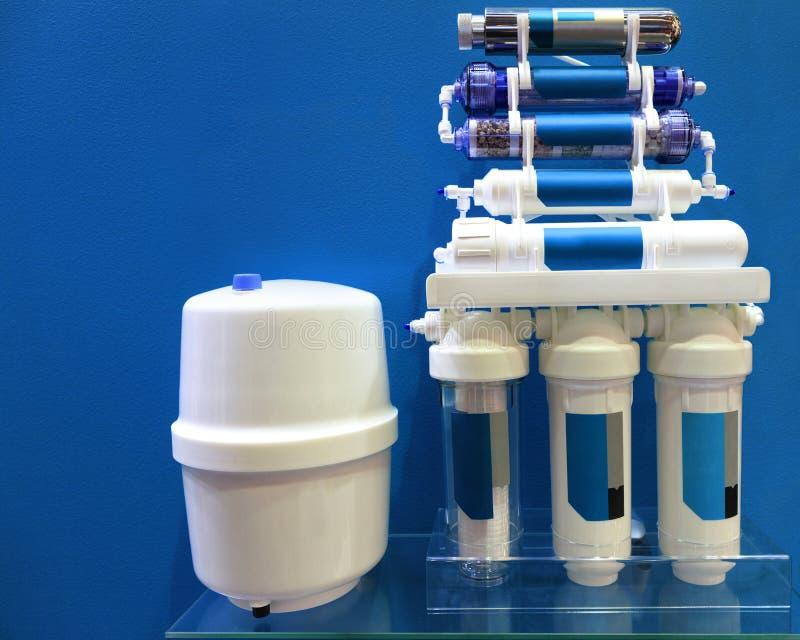 O sistema de tratamento de água potável é osmose reversa fotos de stock royalty free