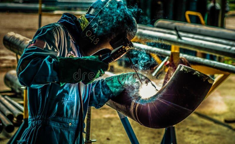 O soldador da tubulação foto de stock