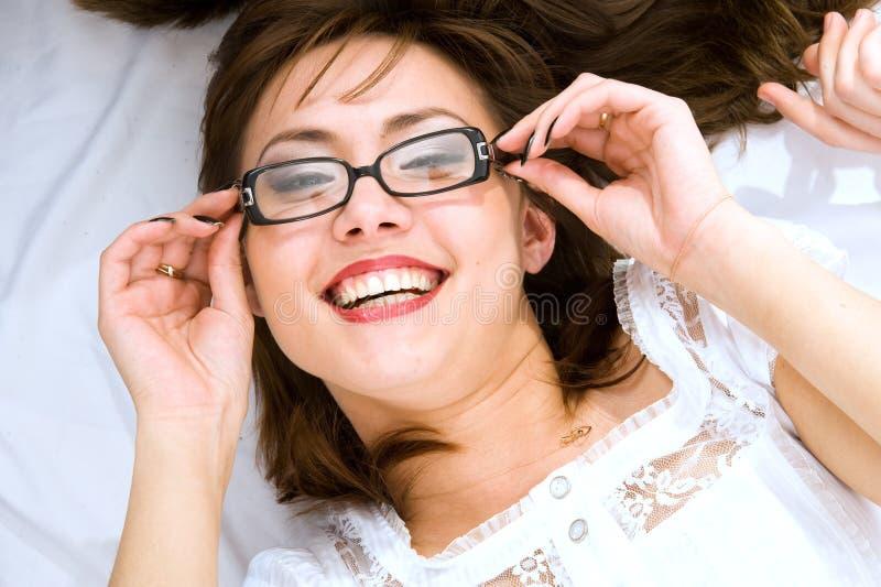 O sorriso japonês novo da mulher fotografia de stock