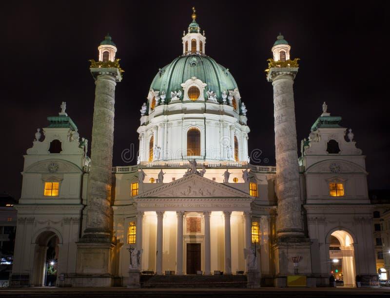 O St Charles Cathedral em Viena imagem de stock