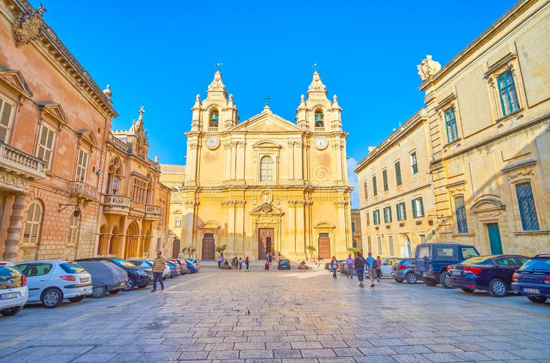 O St enorme Paul Cathedral em Mdina, Malta fotografia de stock royalty free
