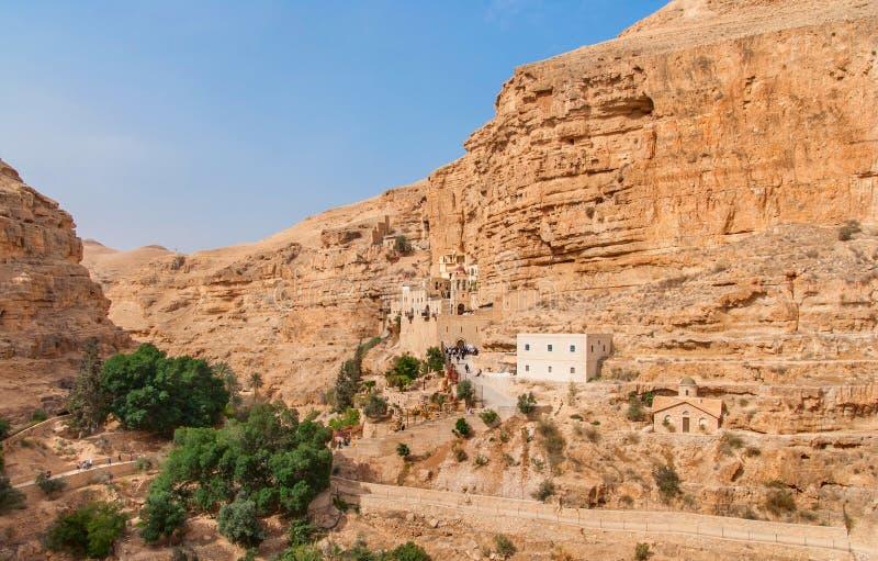 O St George Orthodox Monastery é ficado situado em Wadi Qelt imagem de stock royalty free