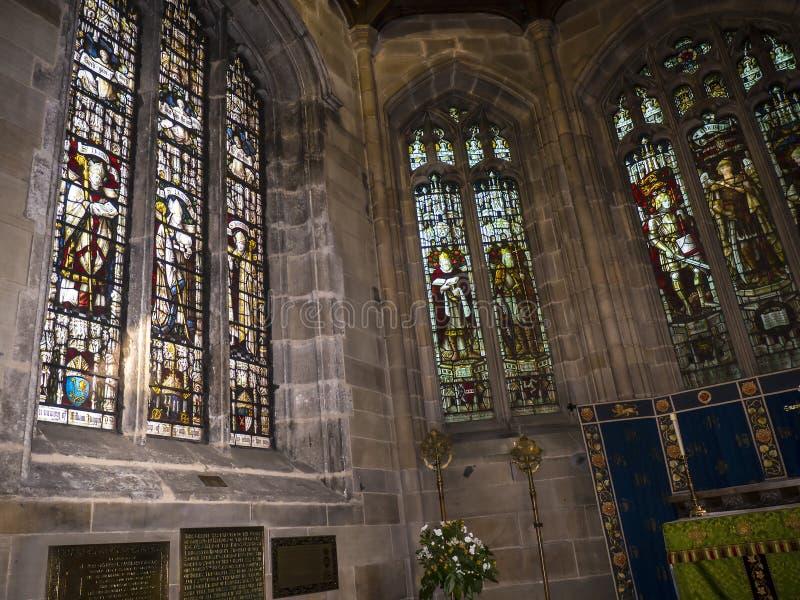 O St Marys, igreja do convento de Lancaster é próximo pelo castelo acima da cidade em Inglaterra foto de stock