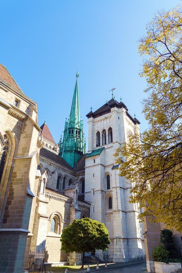 O St Pierre Cathedral, igreja home adotada de John Calvin, Ge fotos de stock