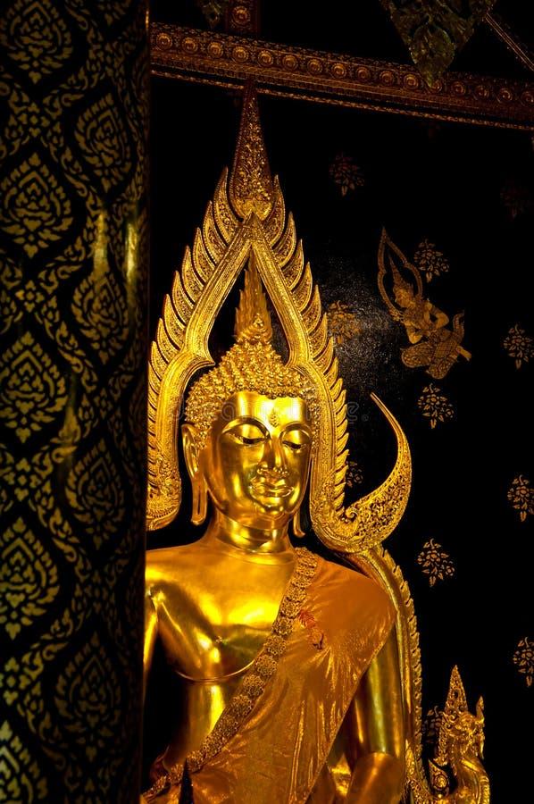 O status de Buddha foto de stock royalty free