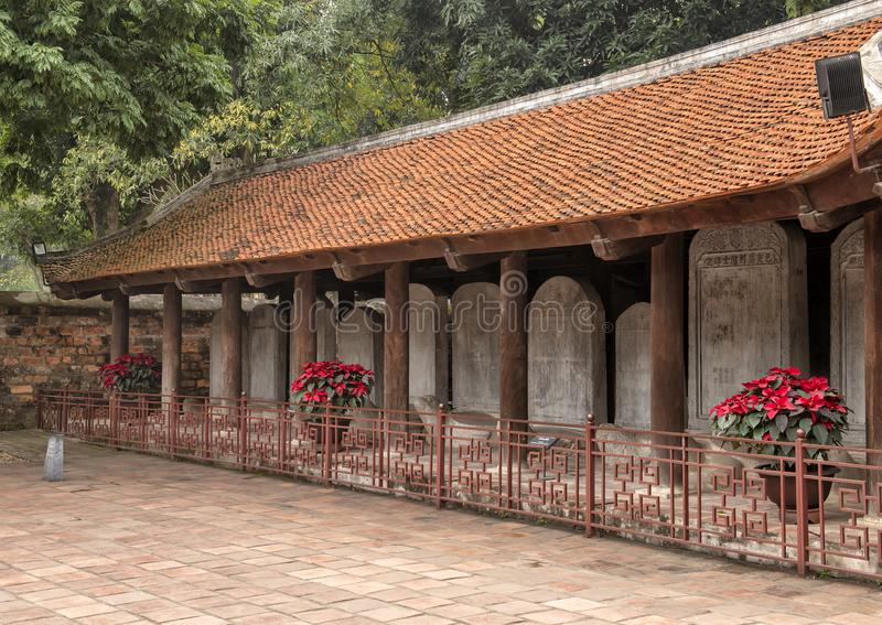 O Stelae do doutor, terceiro pátio, templo da literatura, Hanoi, Vietname foto de stock