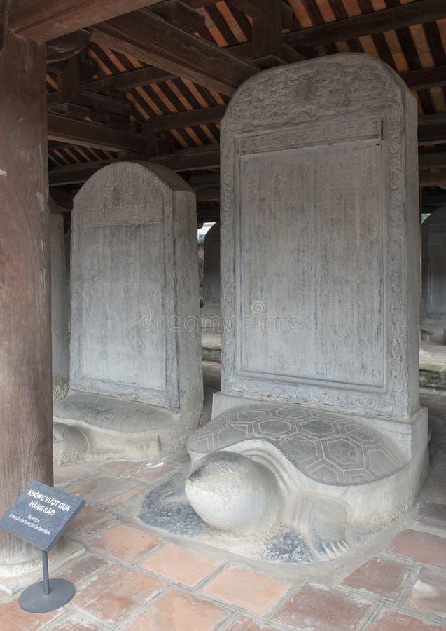 O Stelae do doutor, terceiro pátio, templo da literatura, Hanoi, Vietname fotos de stock royalty free