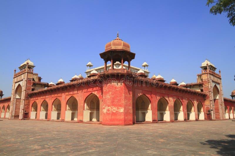 O túmulo de Akbar fotografia de stock royalty free