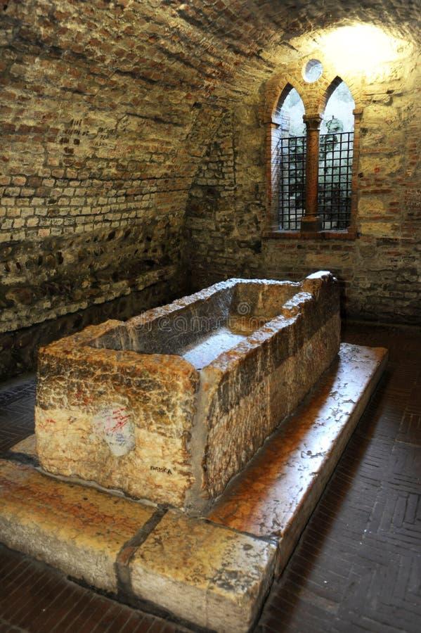 O túmulo de Juliet em Verona fotos de stock
