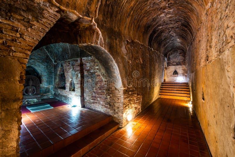 O túnel antigo do templo de Umong imagem de stock royalty free