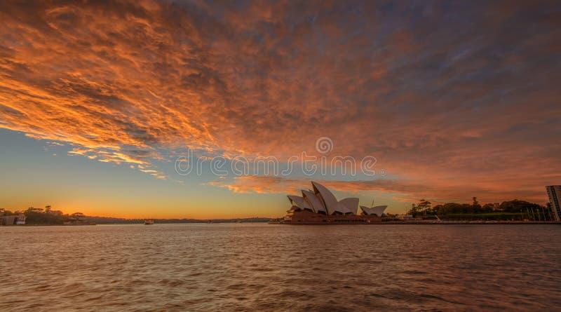 O teatro da ópera de Sydney imagem de stock