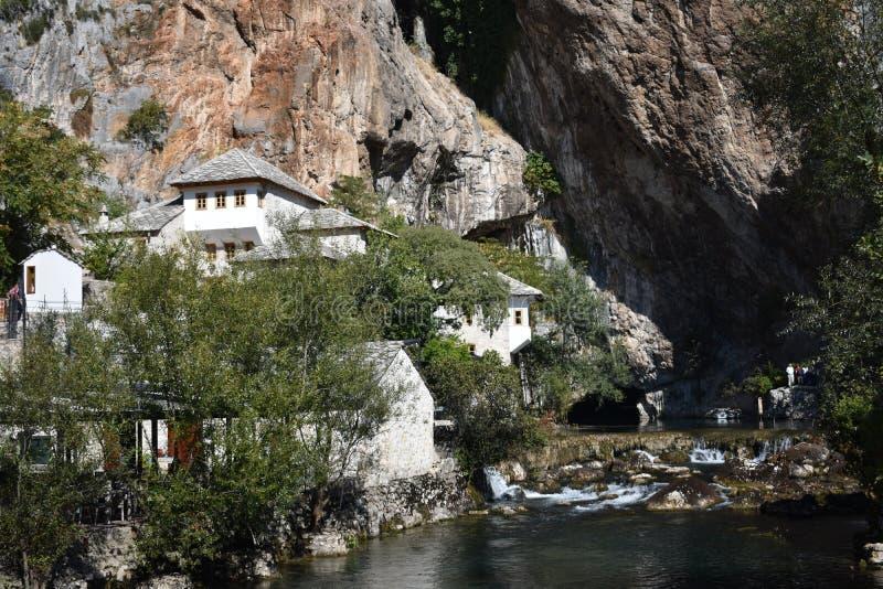 O tekija da casa do dervixe no rio do Buna imagem de stock royalty free