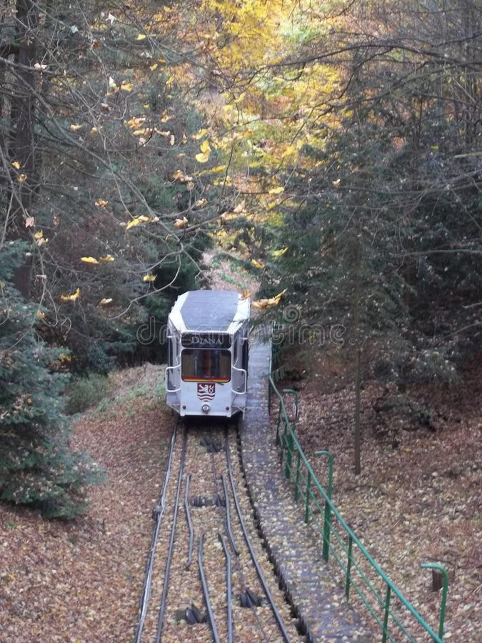 O teleférico Diana na cidade Karlovy varia, Karlsbad fotografia de stock