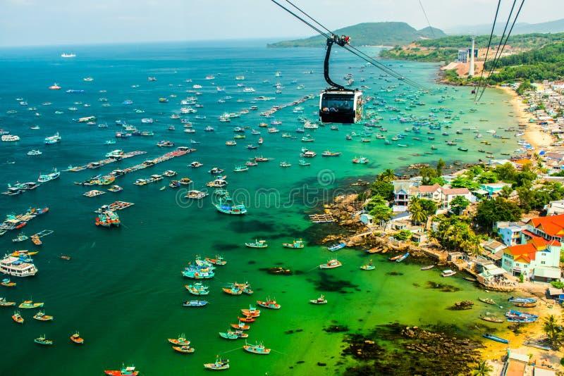 O teleférico o mais longo, ilha de Phu Quoc em Vietname fotos de stock royalty free