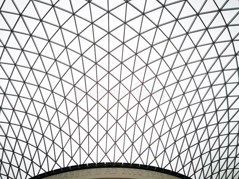 O telhado do primeiro andar de British Museum foto de stock