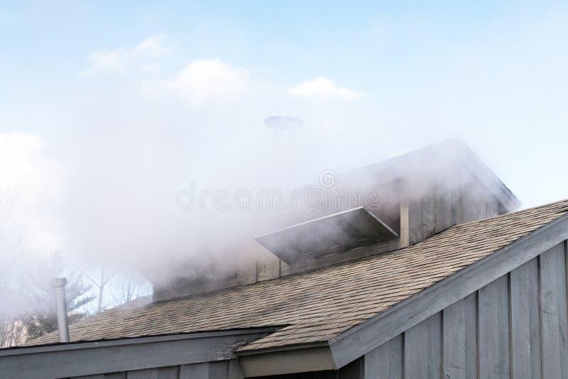 O telhado e as chaminés de Sugar Shack foto de stock
