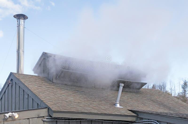 O telhado e as chaminés de Sugar Shack fotografia de stock royalty free