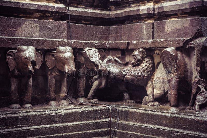 O templo da caverna de Kailash ou de Kailasanatha em Ellora cava India imagem de stock royalty free