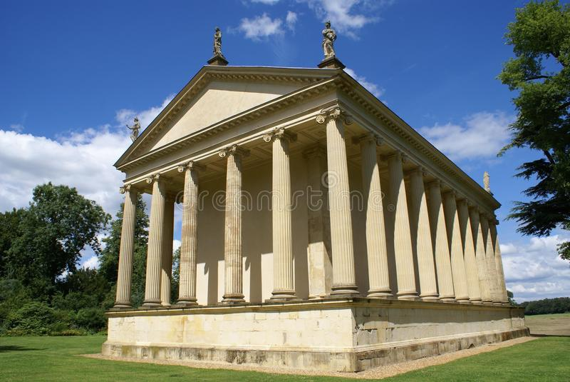 O templo da concórdia e da vitória em Stowe, Inglaterra fotos de stock