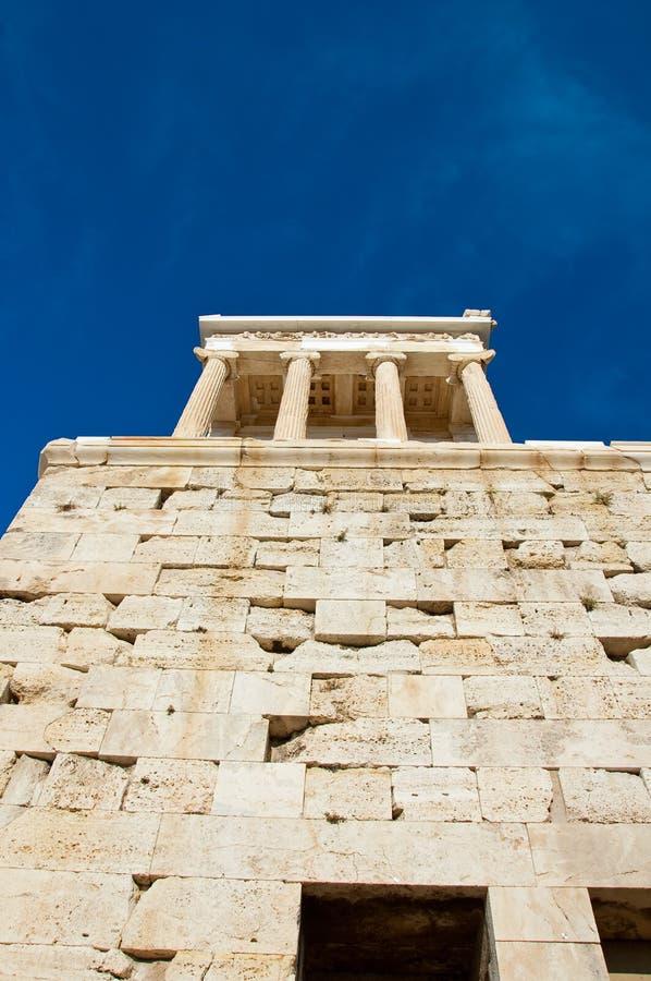 O templo de Athena Nike em agosto de 2013. Atenas, Grécia. fotografia de stock