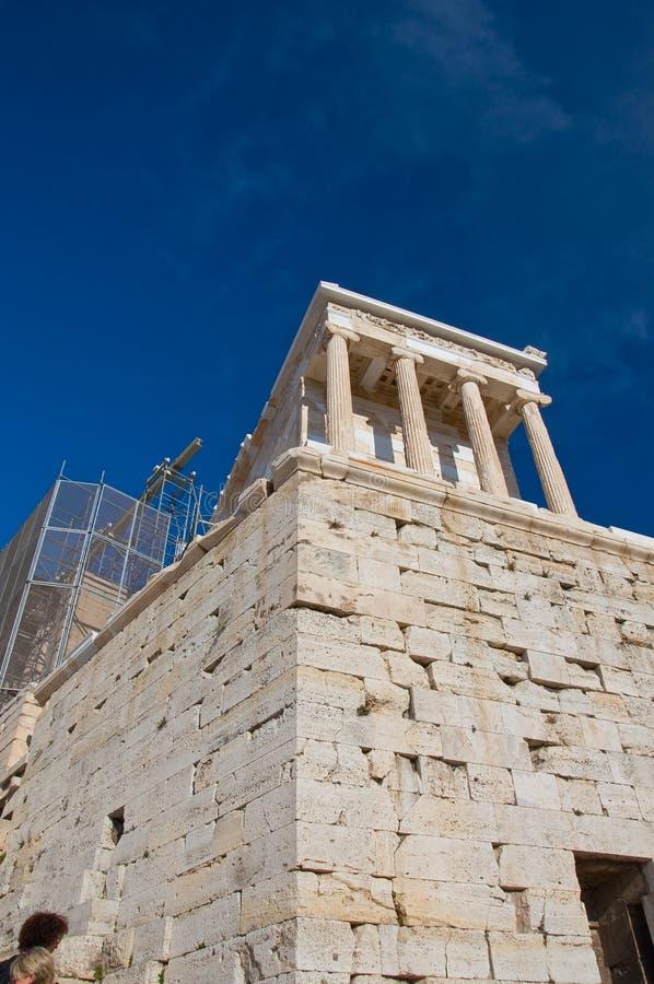 O templo de Athena Nike em agosto de 2013. Atenas, Grécia. imagem de stock royalty free