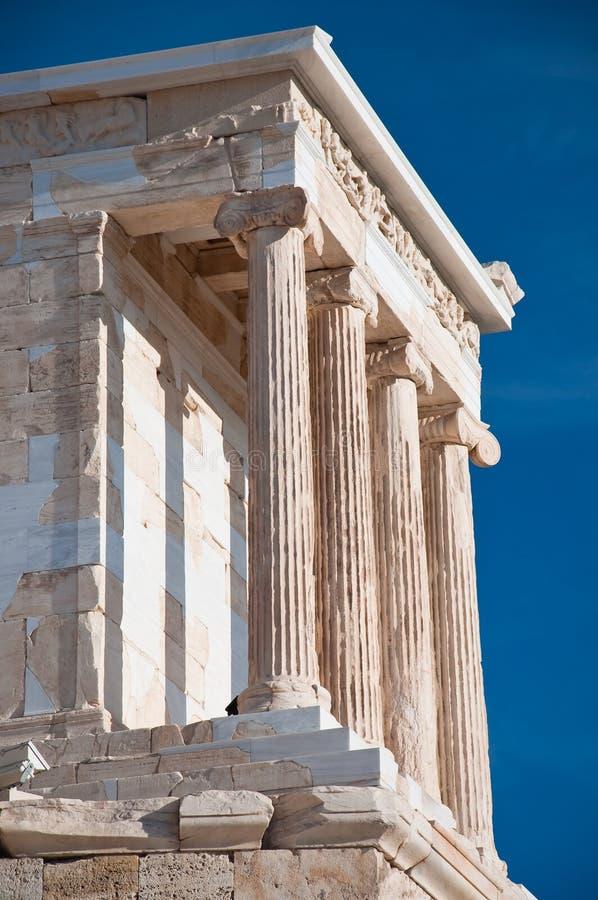 O templo de Athena Nike em agosto de 2013. Atenas, Grécia. foto de stock