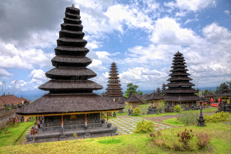 O templo de Besakih, Bali da matriz fotografia de stock