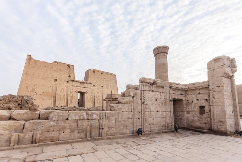 O templo de Edfu imagens de stock royalty free