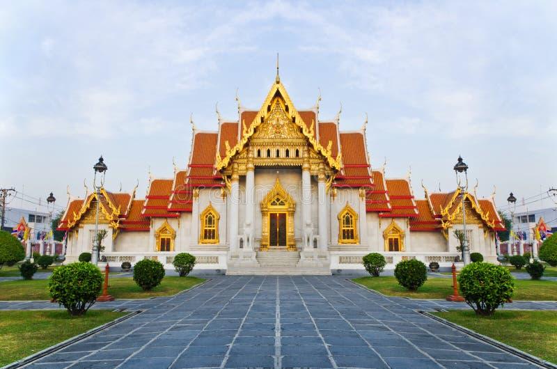 O templo de mármore (Wat Benchamabophit) fotos de stock royalty free