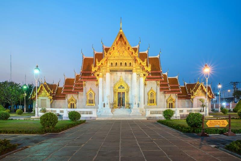 O templo de mármore, Wat Benchamabopitr Dusitvanaram Bangkok THAIL fotografia de stock