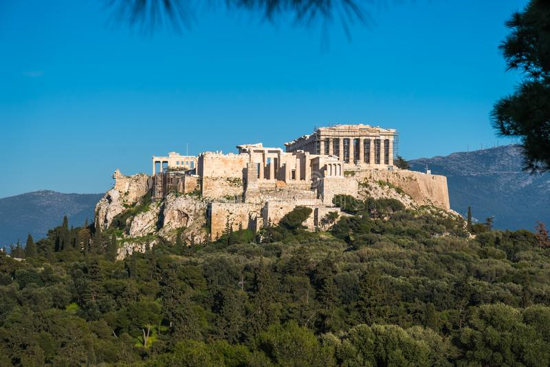 O templo do Partenon na acrópole de Atenas durante colorido fotografia de stock royalty free