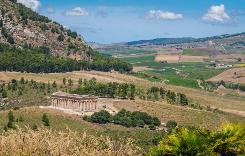 O templo do Vênus em Segesta, cidade do grego clássico em Sicília, Itália do sul imagens de stock
