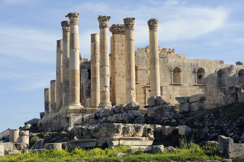 O templo do Zeus em Jerash fotografia de stock